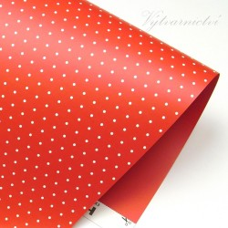 červený s puntíky