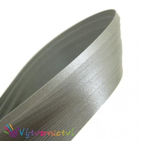 Stříbrné papírové proužky na quilling