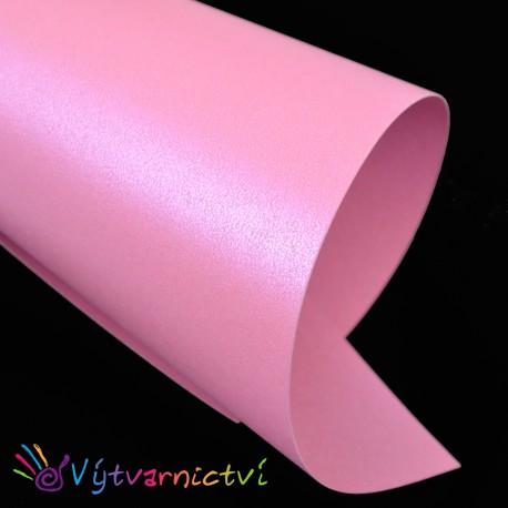 Perleťově růžový papír