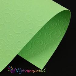 Zelené spirálky embosovaný papír