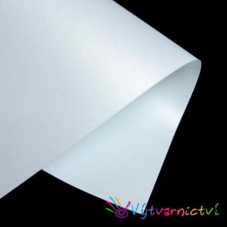 Světle modrý perleťový papír
